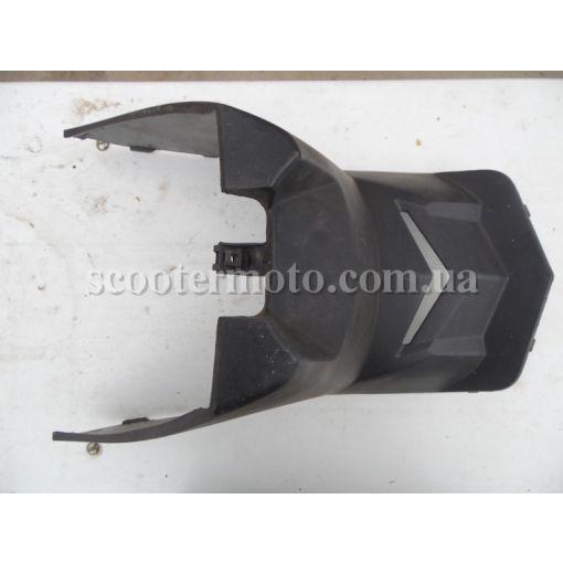 Пластик под седенье Kymco Agility 50-125